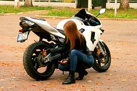 オートバイのキミ!車種が気になる朝ドラべっぴんさん