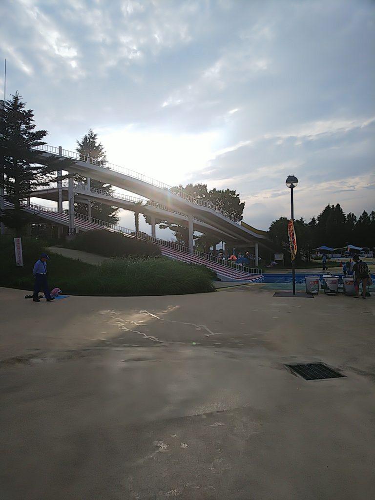 しらこばと水上公園スライダーおじさん滑走